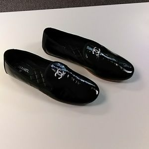 Chanel black textured patent leather flats 39 NWOB